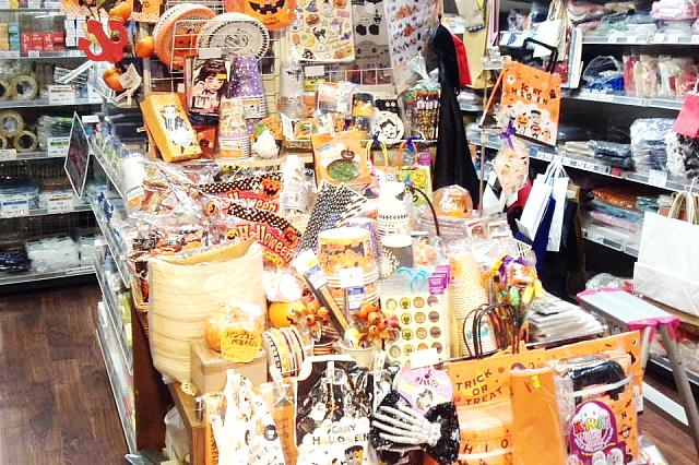 包装資材以外にもラッピング用品や可愛い小物なども充実 パッケージプラザ神戸兵庫店